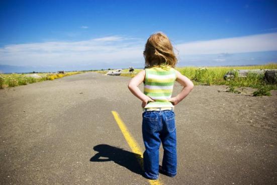 kid_on_long_road